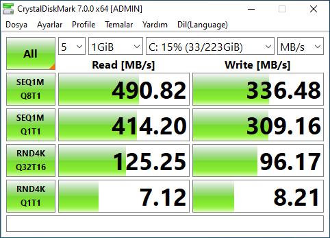 SSD CrystalDiskMark.PNG